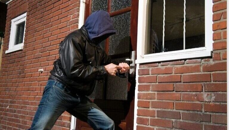 6 tips on how to protect your home from theft image