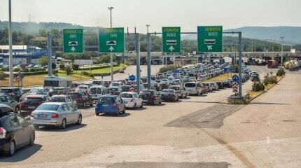 Над милион автомобила в Гърция без задължителна застраховка