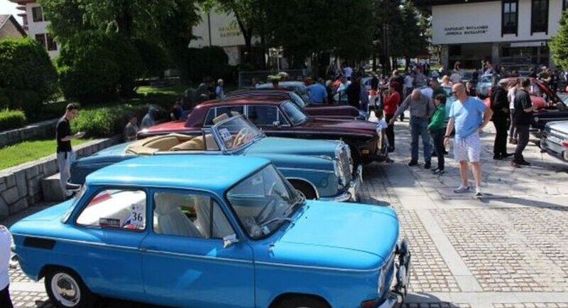 According to statistics, mostly old cars continue to drive in Bulgaria image