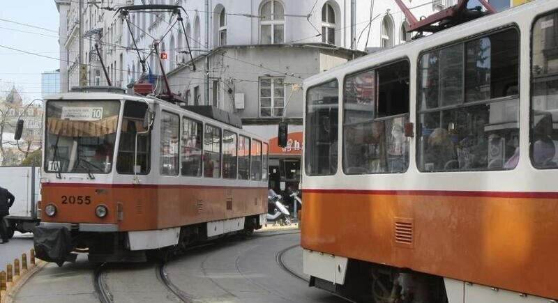 Trolleys and trams will no longer require a Green Card insurance policy image