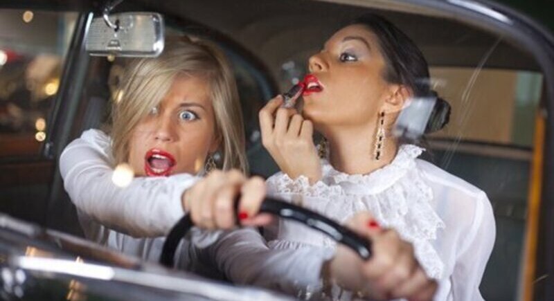 Who is a better driver - a man or a woman image