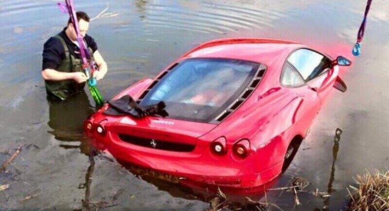 Ferrari F430 не може да плува image