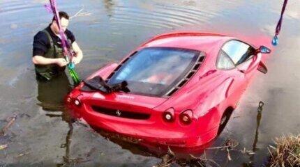 The Ferrari F430 cannot swim image