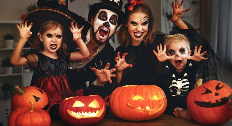 Google presents five different doodles for Halloween image