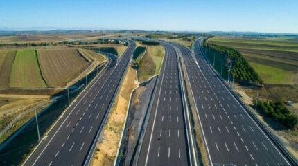 10 of the most impressive highways in the world image
