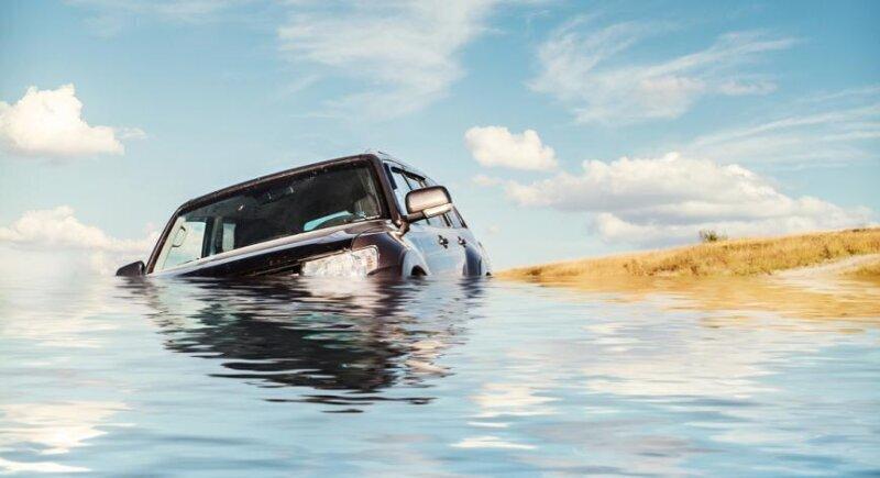 Американец призна - потопил Bugatti заради застраховка image