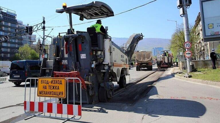 Тринайсет кандидати за ремонт на улици и булеварди в София image